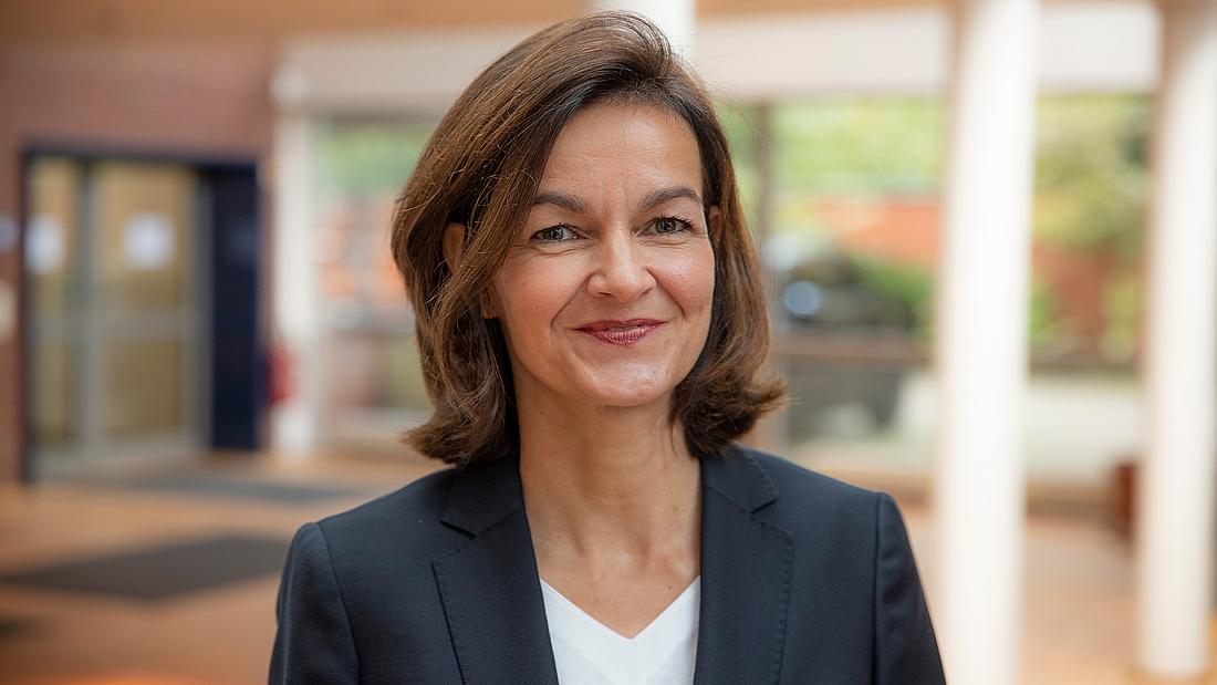 Schulleiterin des Berufskollegs für Medienberufe: Susanne Hinzen.