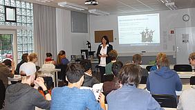 Schülerinnen und Schüler im Workshop.